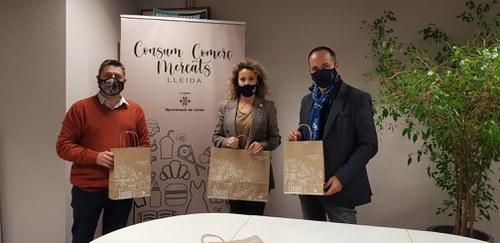 Imatge de la notícia La regidora Marta Gispert inicia contactes amb diferents municipis de Lleida per expandir la campanya Plàstics Zero als Mercats Ambulants