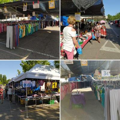 S'incorporen les parades de roba i complements al mercadet de Camp d'Esports